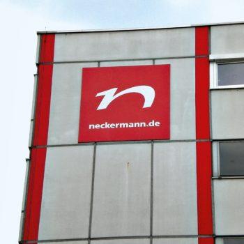 Fassadenbeschriftung Neckermann.de