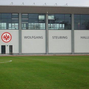 Fassadenbeschriftung Wolfgang Steubing Halle
