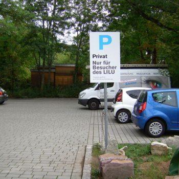 Hinweisschild Parkplatz