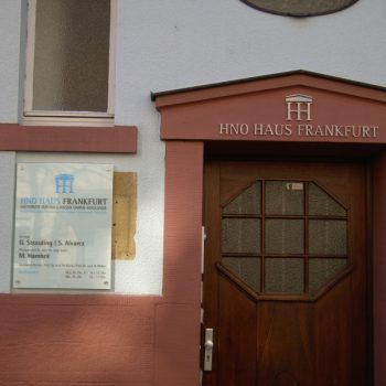 Firmenschild HNO Haus Frankfurt