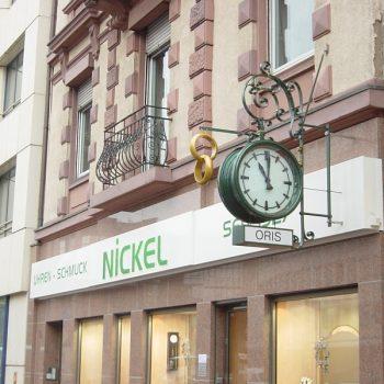 Firmenschild Fassade Nickel Uhren- Schmuck