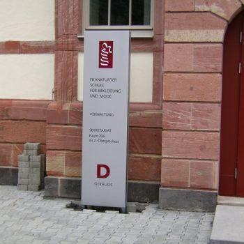 Pylon Frankfurter Schule für Mode und Bekleidung
