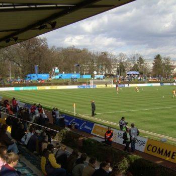 Sportplatzwerbung Banner Fahnen Frauenfußball